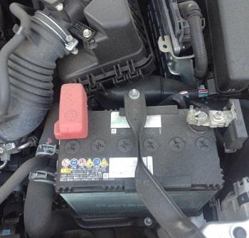 自分の車のバッテリーの型番の確認方法は?